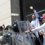 La oposición no ha cesado de protestar en las calles contra la represión, la delincuencia y la crisis económica. Foto EDH