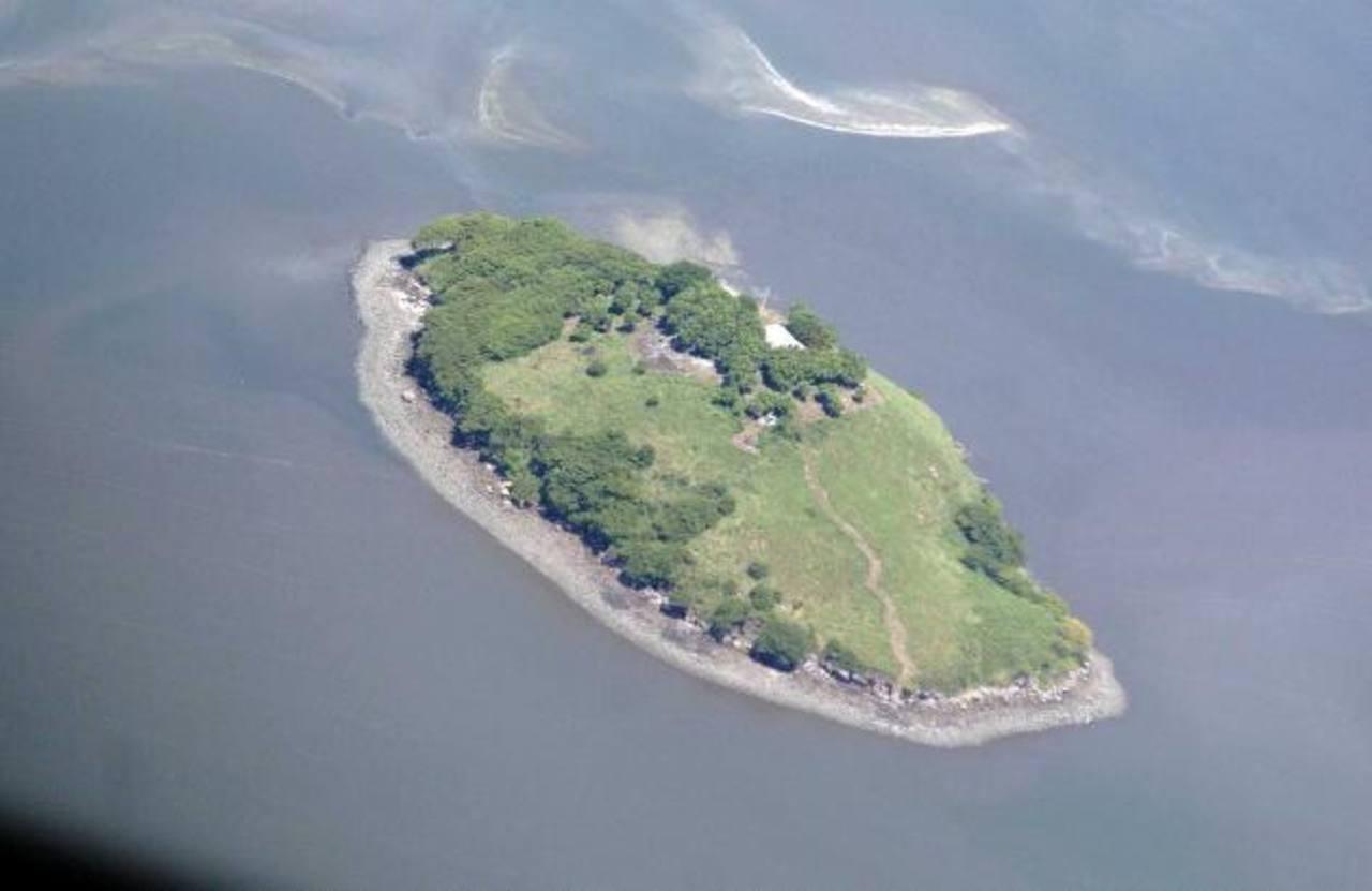 La isla Conejo, ubicada en el golfo de Fonseca. Foto/ Archivo
