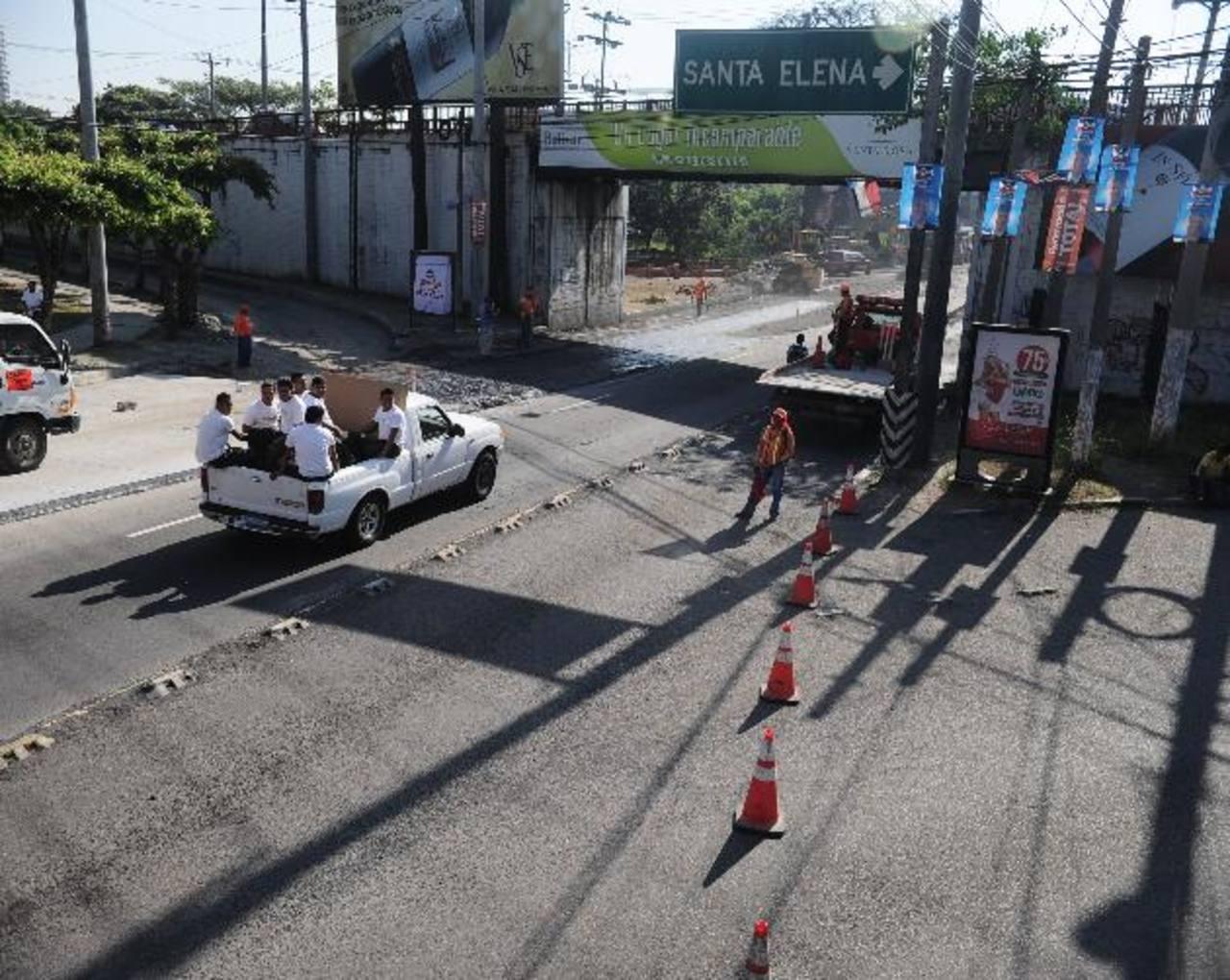 Los trabajos iniciaron ayer y el Fovial calcula que se concluirán en cuatro semanas. Foto EDH / René Quintanilla