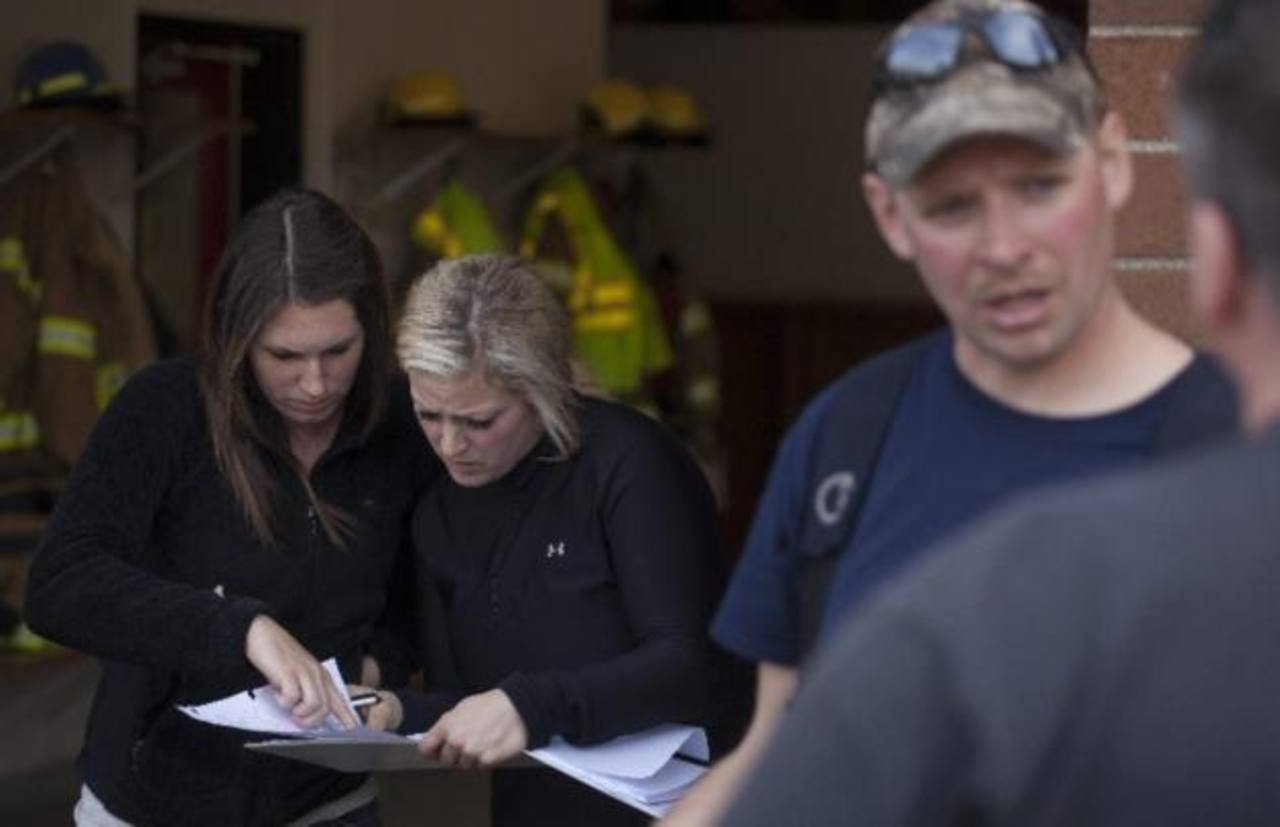 Voluntarios se presentan para ayudar en la búsqueda de desaparecidos