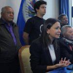 La política venezolana durante su comparecencia la semana pasada frente a medios internacionales acompañada por el Presidente de Panamá, Ricardo Martinelli. Foto EFE