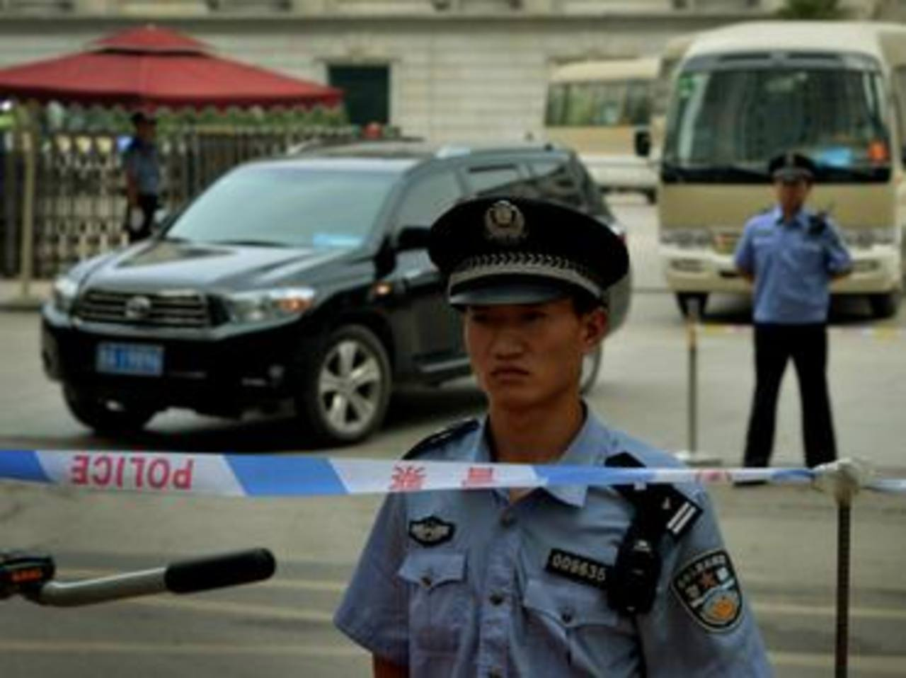 Hombres con cuchillos matan a 27 en China