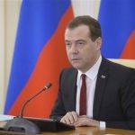 El primer ministro, Dmitry Medvedev, en la ciudad de Simferopol, Crimea. Foto Reuters