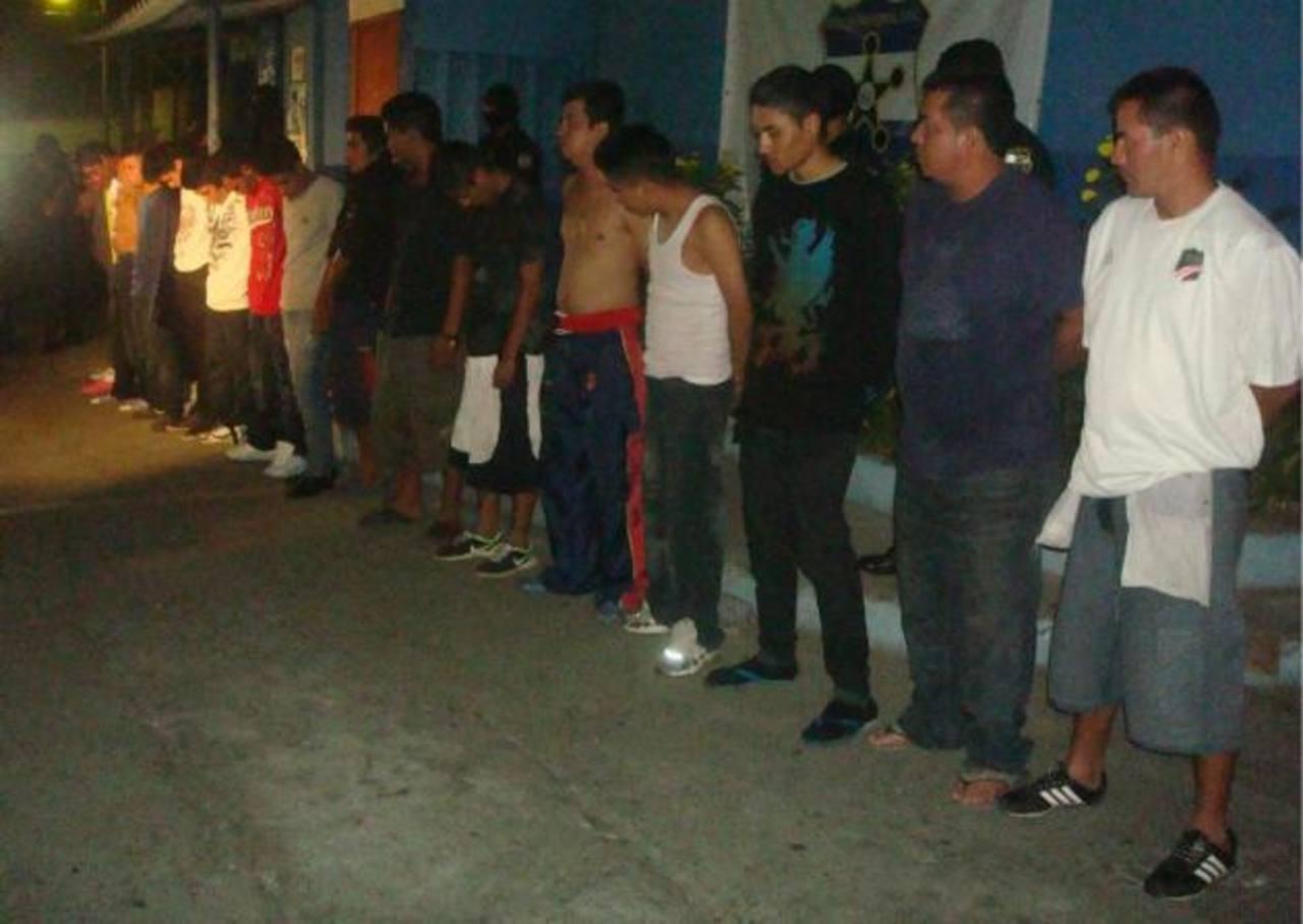 18 detenidos en operativo.