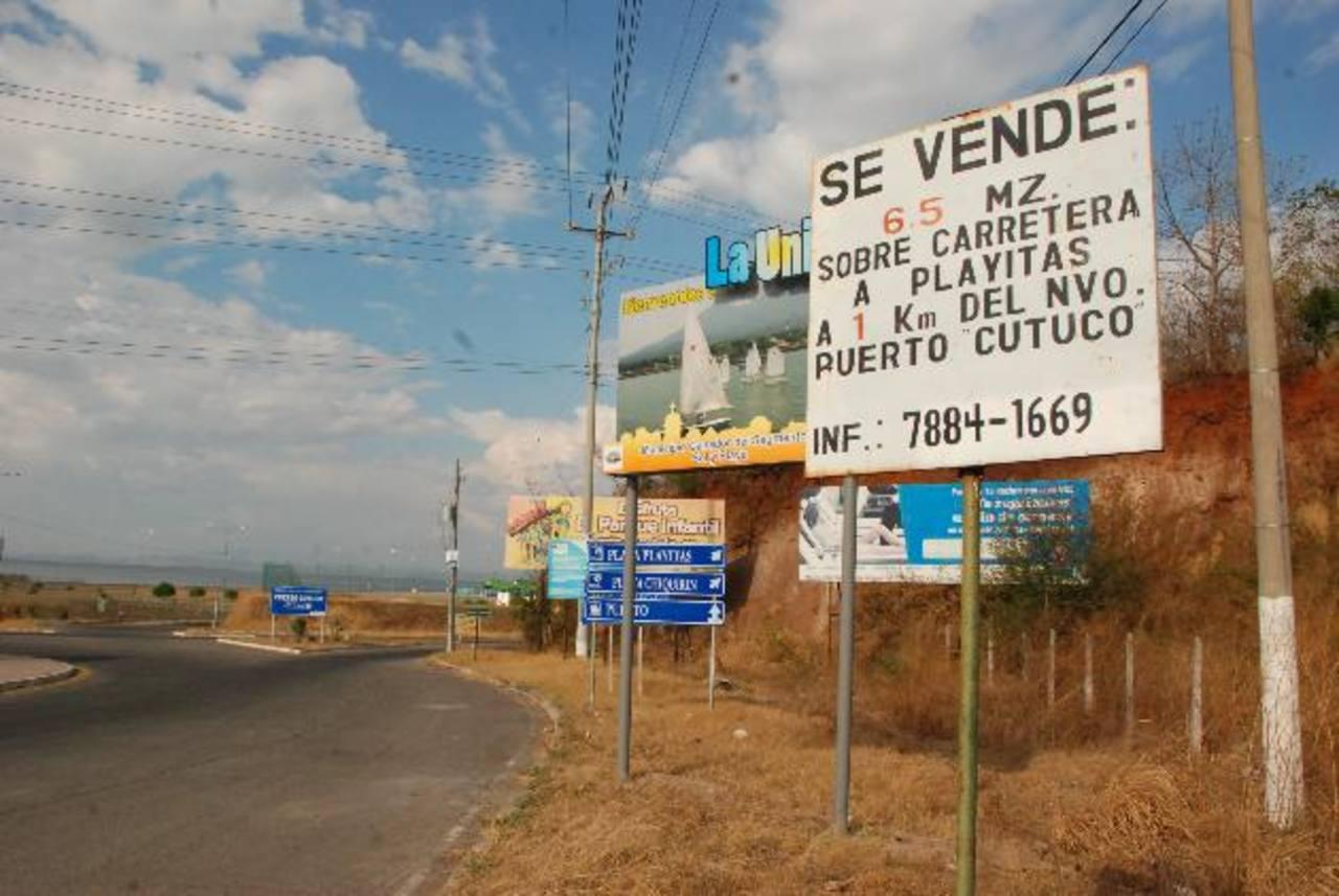 """Recuerdos sobre el """"boom"""" inmobiliario que se vivió hace unos siete años cuando estaba en construcción el Puerto La Unión. Foto EDH / Insy Mendoza"""