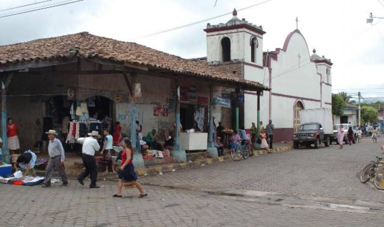 Las autoridades han preparado muchas sorpresas para los habitantes de este municipio, entre ellos juegos recreativos y carnavales. Foto EDH / ARCHIVO