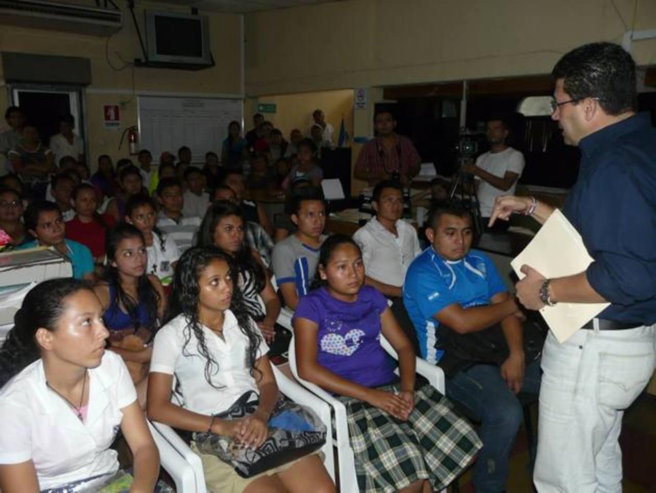 La comuna tiene planificado entregar el mayor número de becas posibles a jóvenes conchaguenses. foto EDH / Insy Mendoza