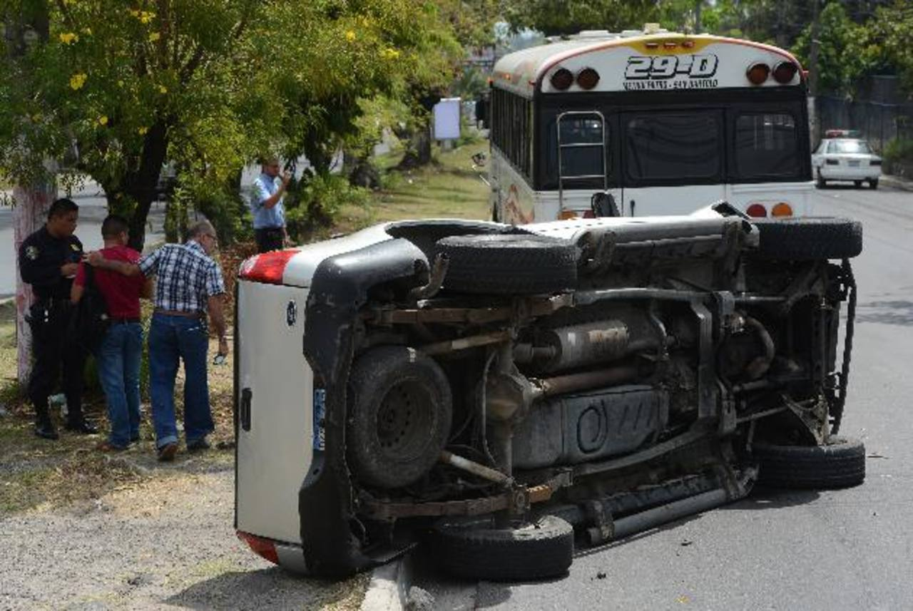 Varios accidentes se registraron ayer en San Salvador y Soyapango. Foto EDH