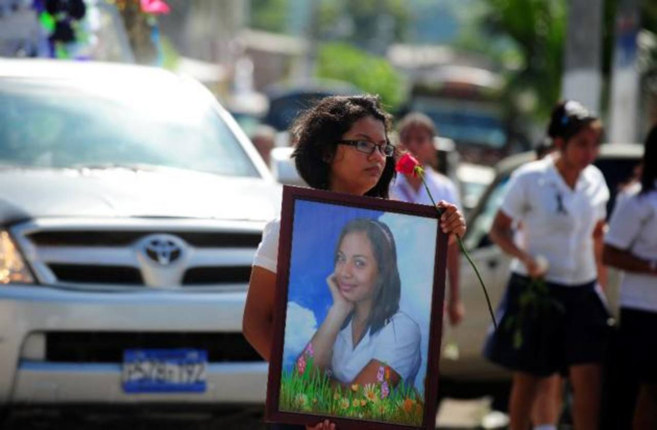 Condenan a 40 años a pandilleros por homicidio de atleta Alisson Renderos