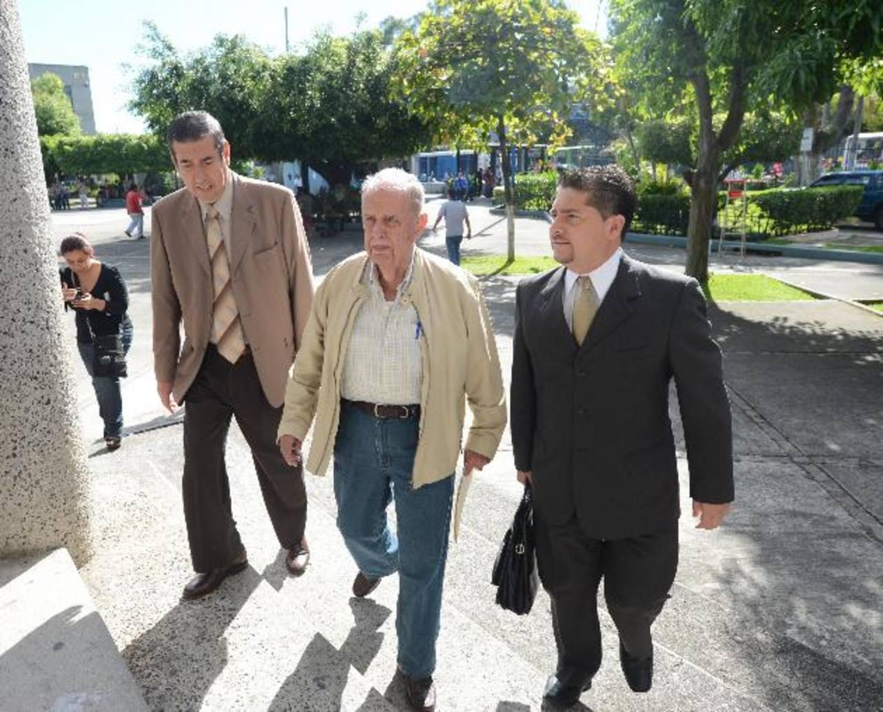 La audiencia inicial fue realizada en noviembre pasado y desde esa fecha todos los imputados se encuentran en libertad con medidas sustitutivas a la detención. Foto EDH / Archivo