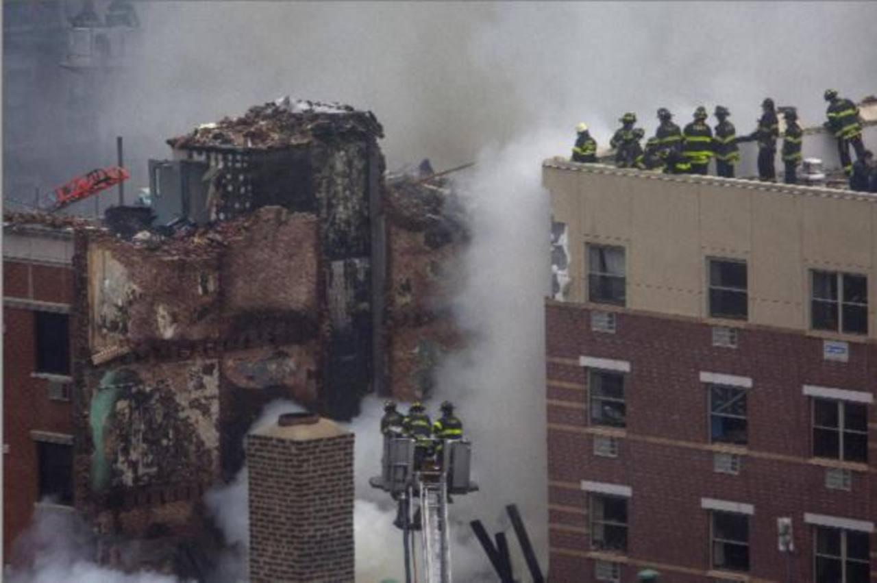 Dos edificios colapsaron debido a una fuga de gas.
