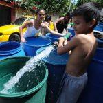 Varios municipios de San Salvador y La Libertad están sin el servicio de agua potable. ANDA ha puesto a disposición pipas. FOTO EDH Archivo.