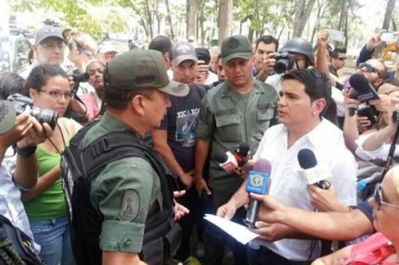 El Sindicato Nacional de los Trabajadores de la Prensa (SNTP) denunció agresiones contra periodistas en una reunión con la Guardia Nacional Bolivariana. foto EDH / cortesía informe 21