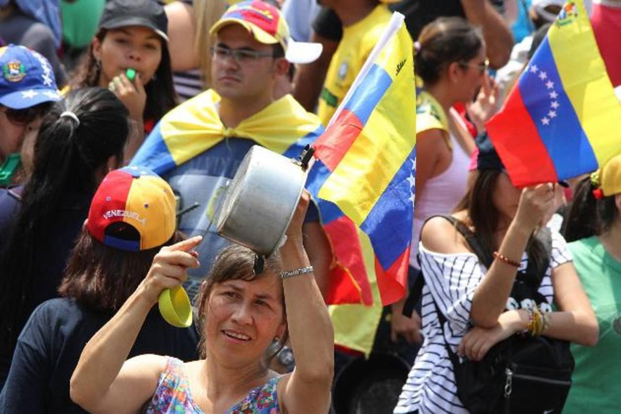 El 8 de marzo los venezolanos hicieron una multitudinaria marcha con ollas vacías en protesta por la escasez. foto edh / archivo
