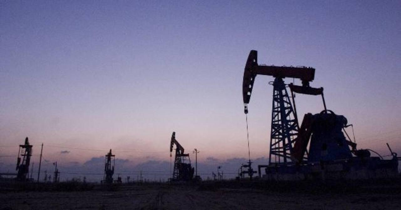 Las existencias de crudo crecieron 5.9 Mlls. de barriles.