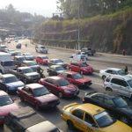 Fotos: Caos vehicular por protesta en carretera a Comalapa