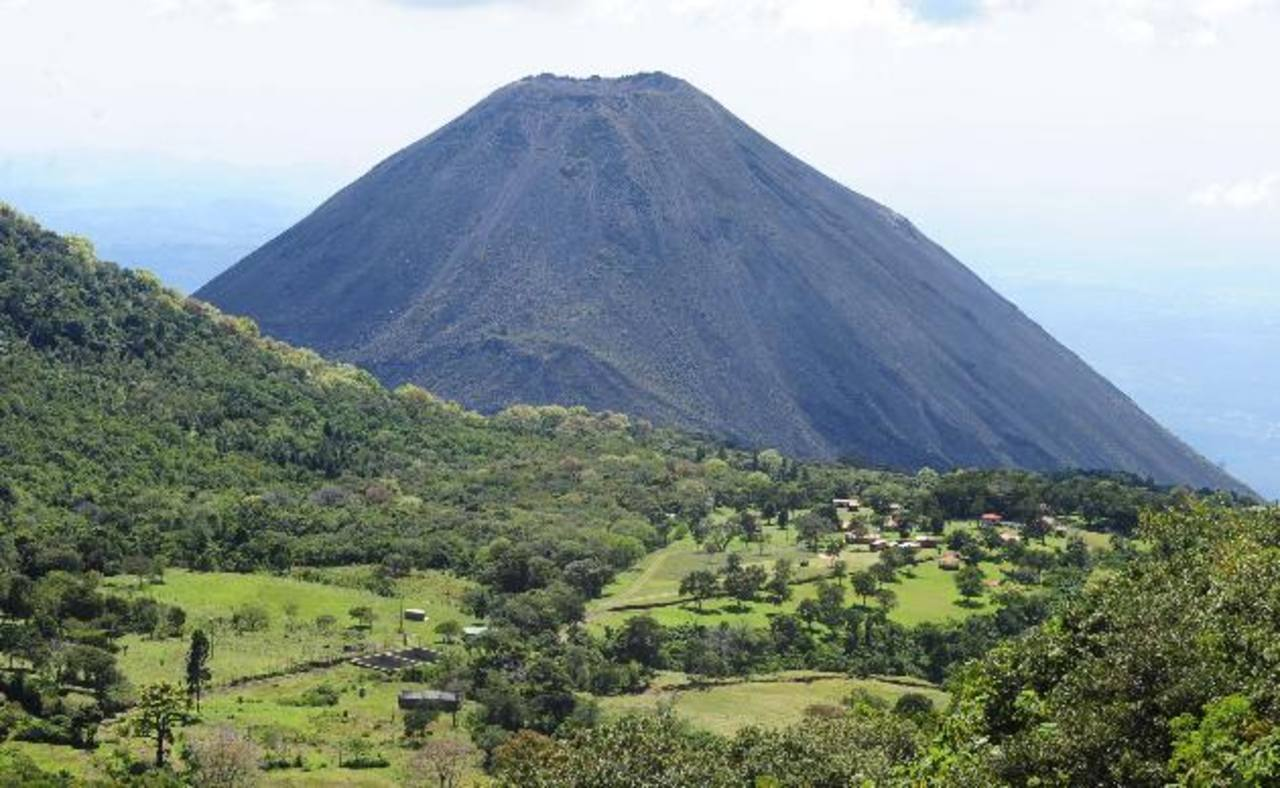 Zona volcanes Izalco e Ilamatepec.