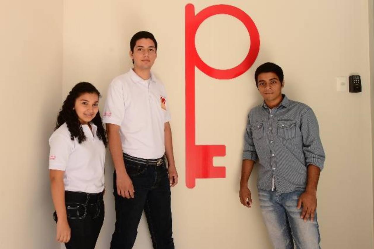Estudiantes de Oportunidades beneficiados con becas Walton
