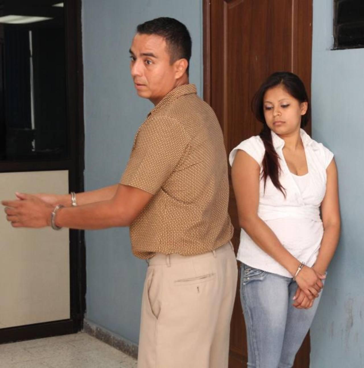 Salvador Moisés Callejas y Wendy Pérez serán enjuiciados por el delito de receptación. Foto EDH / Cortesía Juzgados.