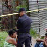 Familiares de Carlos Linares, asesinado en Ayutuxtepeque, aseguraron que estudiaba noveno grado. Foto EDH / Claudia Castillo.