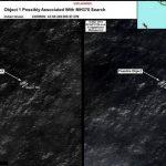 Imagen de satélite tomada por DigitalGlobe el pasado 16 de marzo en la que se aprecian los objetos que podrían pertenecer al avión desaparecido de Malaysia Airlines. Foto/ EFE