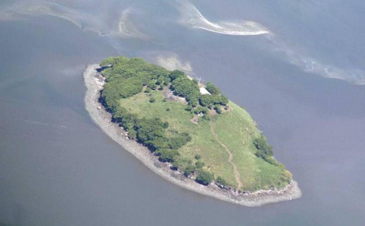 El islote tiene una superficie aproximada de 400 metros cuadrados. Honduras mantiene tropas militares allí. Foto edh / archivo