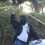 El cadáver de un comerciante fue hallado al interior de una bolsa en cantón Cinco Cedros, Colón, La Libertad. Foto vía Twitter Douglas Urquilla