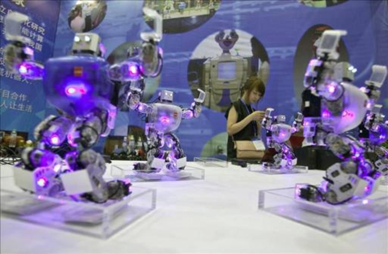 Cada vez más los robots son capaces de hacer más cosas y tareas que ayudan al humano.