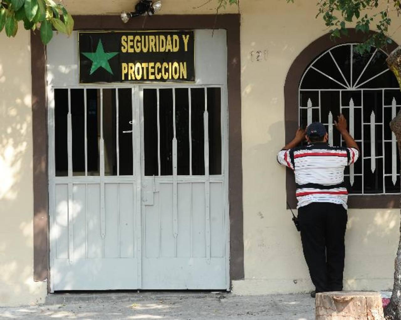En esta empresa de seguridad privada se registró el asalto donde murió el agente Rodolfo Rosales. Foto EDH / René Quintanilla