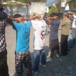 Los sujetos fueron presentados en la delegación de Soyapango junto a otros delincuentes. Foto EDH / Jaime López