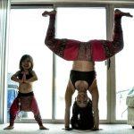 Fotos: Madre e hija sensación en Instagram al practicar yoga