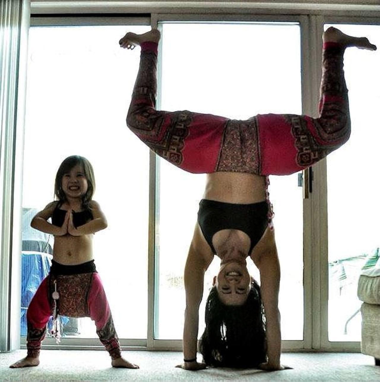 Fotos Madre E Hija Sensacion En Instagram Al Practicar Yoga