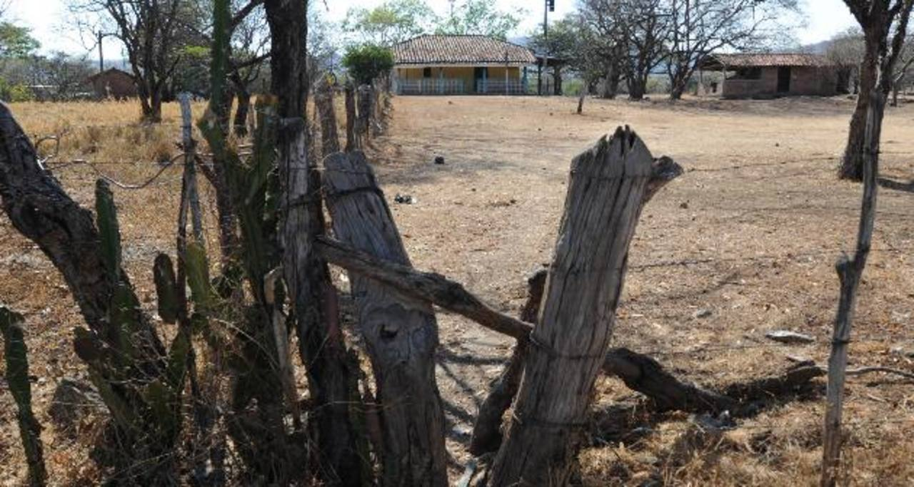 La casa de la familia de Bonifacio Medrano Villatoro, en Anamorós, está desolada desde diciembre pasado. Foto EDH / Lisette Lemus