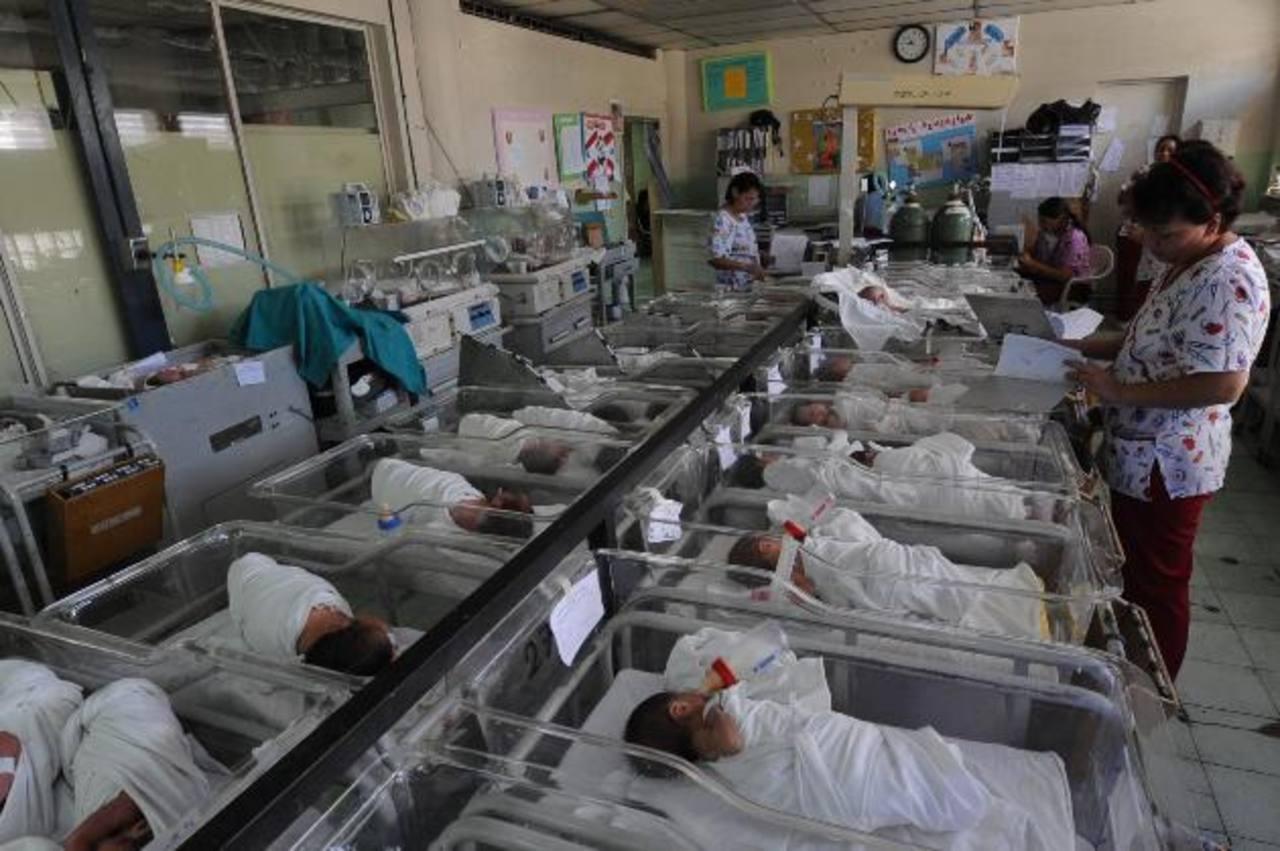 El fallecimiento del recién nacido corresponde al 66 % de la mortalidad infantil; la mayor parte muere en el primer mes de edad.