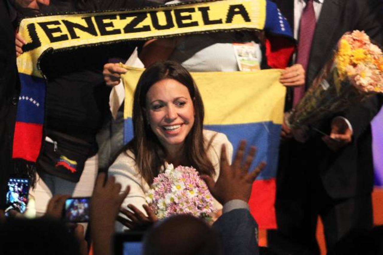 La diputada opositora María Corina Machado dijo que volverá a Venezuela para seguir con la lucha contra el régimen.