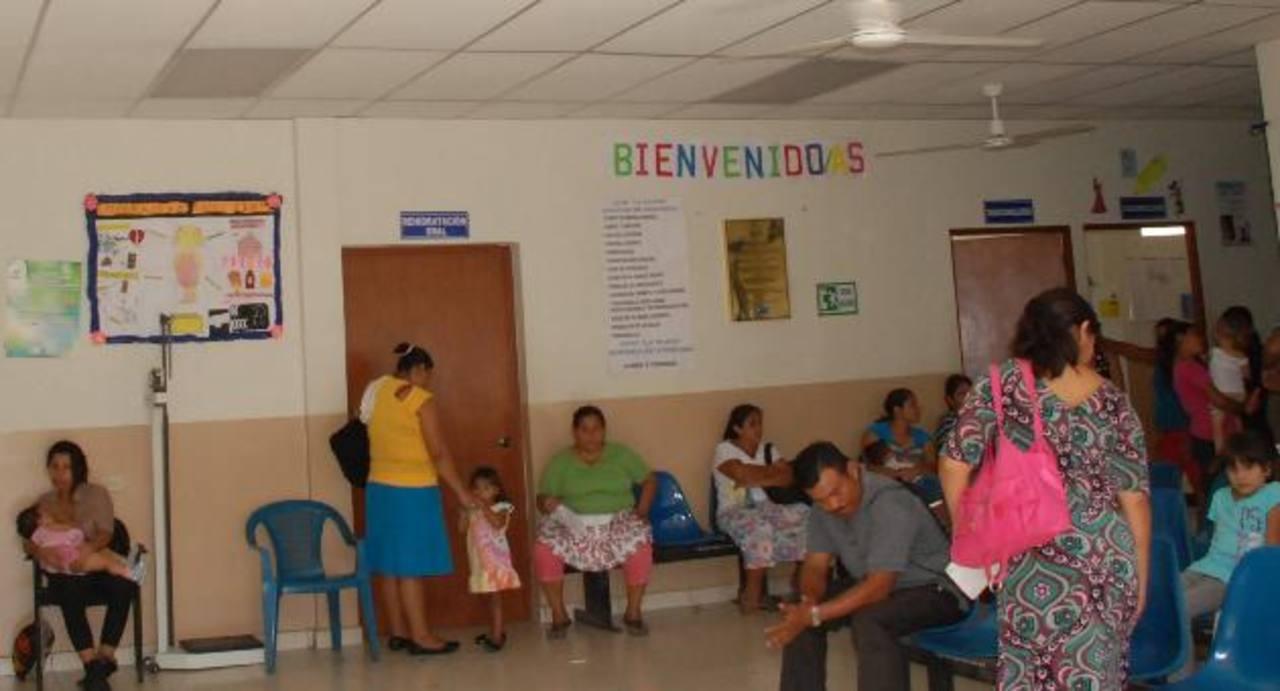 Según Salud, las consultas por problemas estomacales han aumentado. Foto EDH / insy Mendoza
