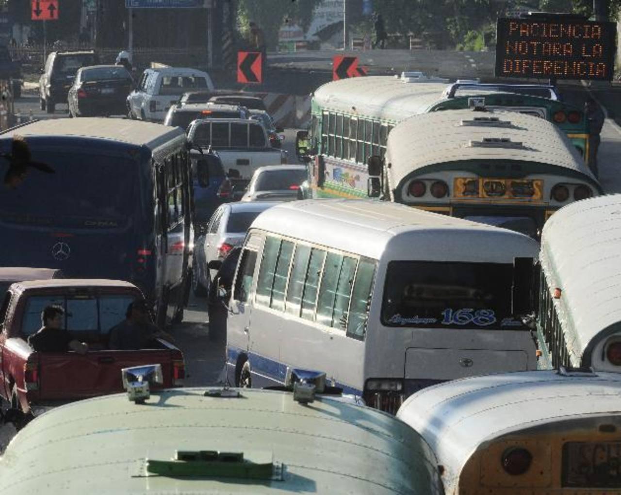 Obras de Fovial complican el tráfico en la Panamericana
