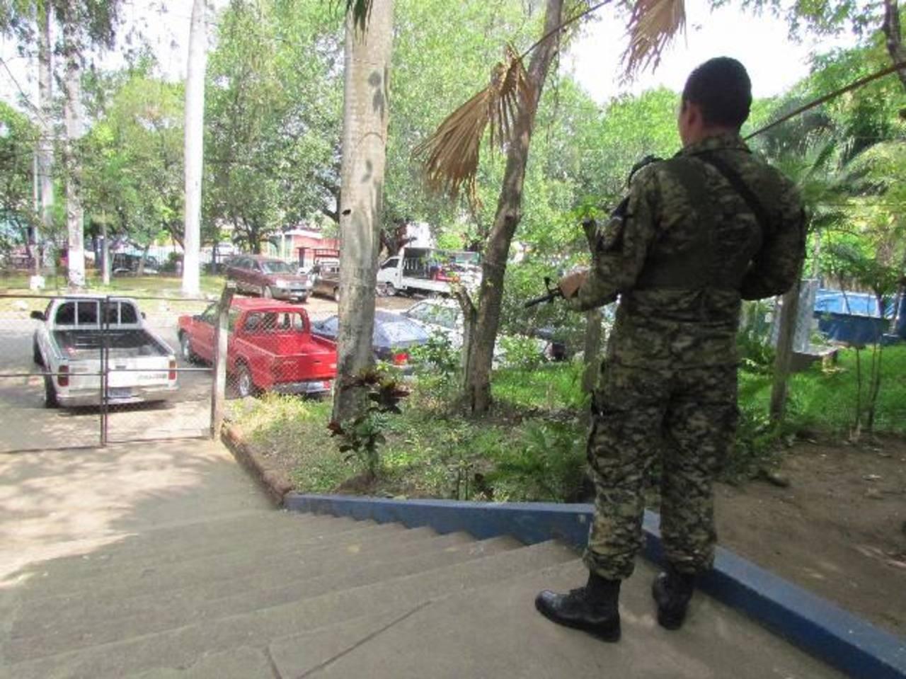 La idea es evitar que los jóvenes se involucren en grupos delincuenciales. Foto EDH / Mauricio Guevara