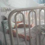 Una niña de 4 años con signos de dengue grave es atendida en el hospital Zacamil. foto edh/Yamileth Cáceres