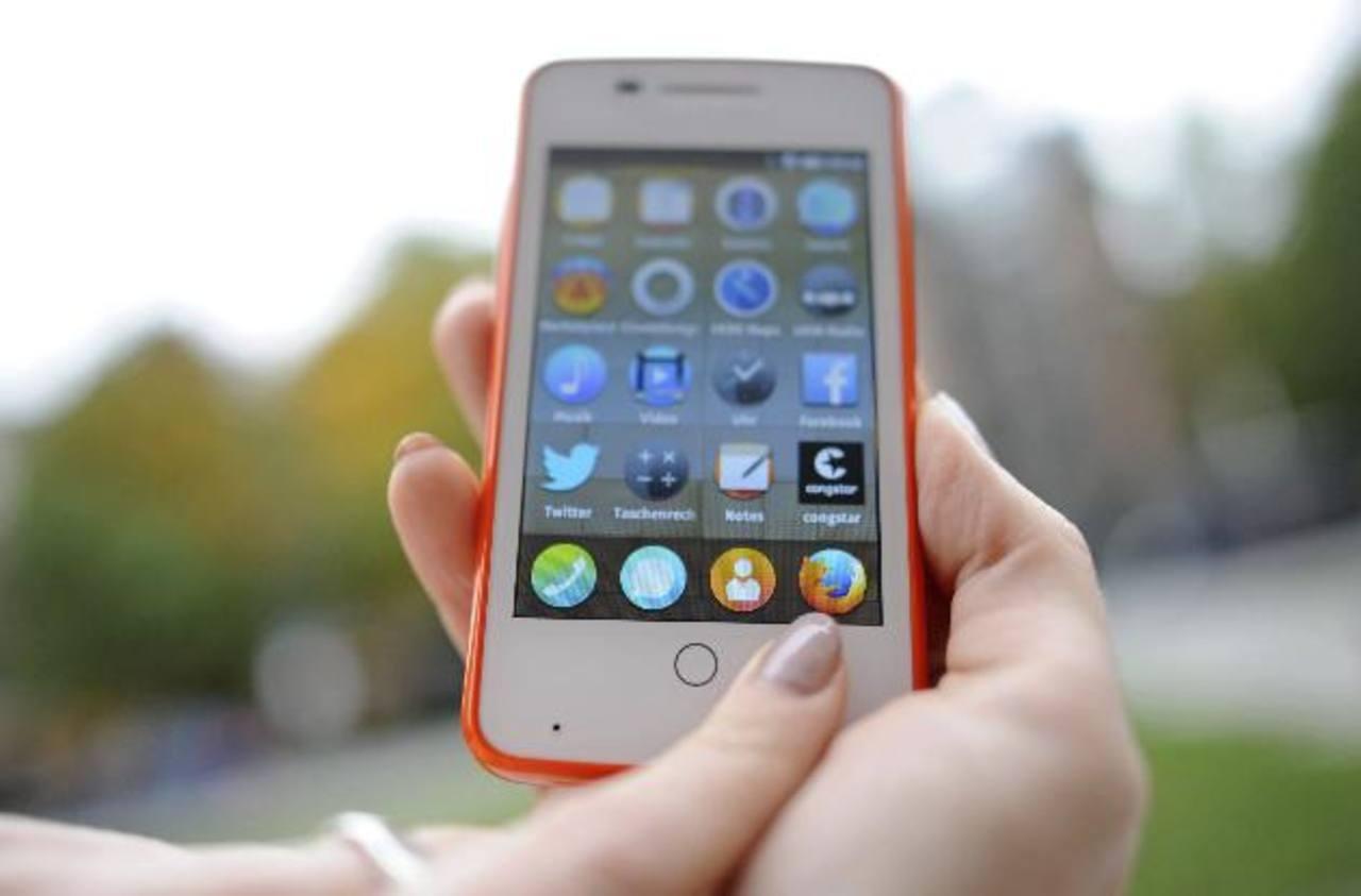 La banco móvil permite poder realizar transacciones por teléfonos móviles