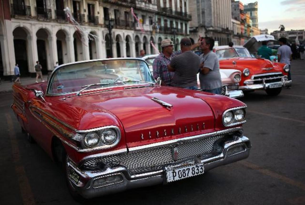 Cuba extiende reformas de mercado a grandes empresas estatales