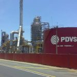 Las exportaciones de crudo y derivados de PDVSA constituyen más del 95 por ciento del ingreso de divisas a Venezuela