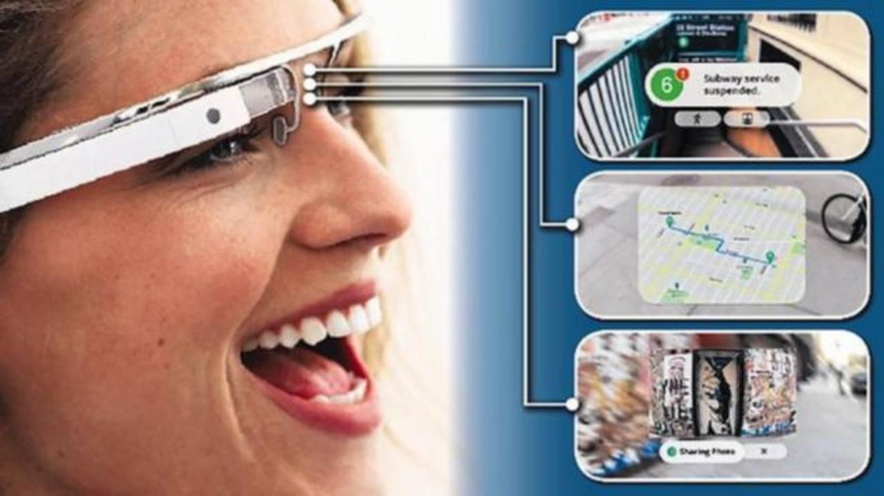 La clave de las Google Glass es que incorporan una pequeña pantalla del tamaño de un sello en la lente que permite grabar vídeo, hacer fotografías, acceder al correo electrónico o consultar información en internet gracias en conexión con el móvil.