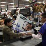 Las noticias económicas que recibieron los consumidores se tornaron más favorables a inicios de abril.