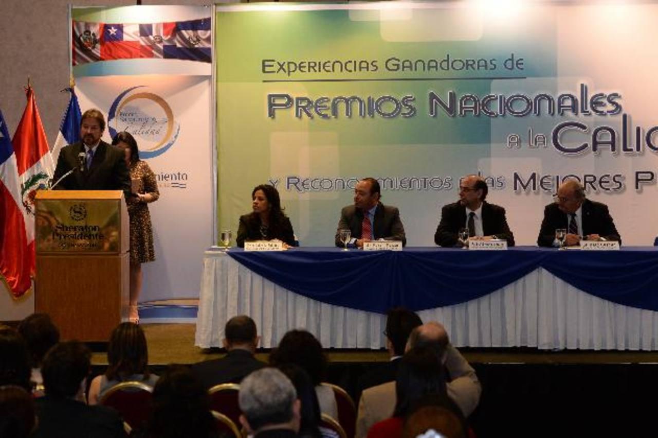 Representantes de la empresa privada y el gobierno salvadoreño expresaron sus impresiones sobre el premio nacional de la calidad. foto edh / Claudia Castillo