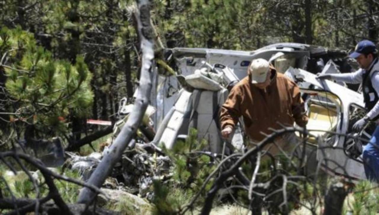 Mueren 8 personas al estrellarse avioneta al norte de México
