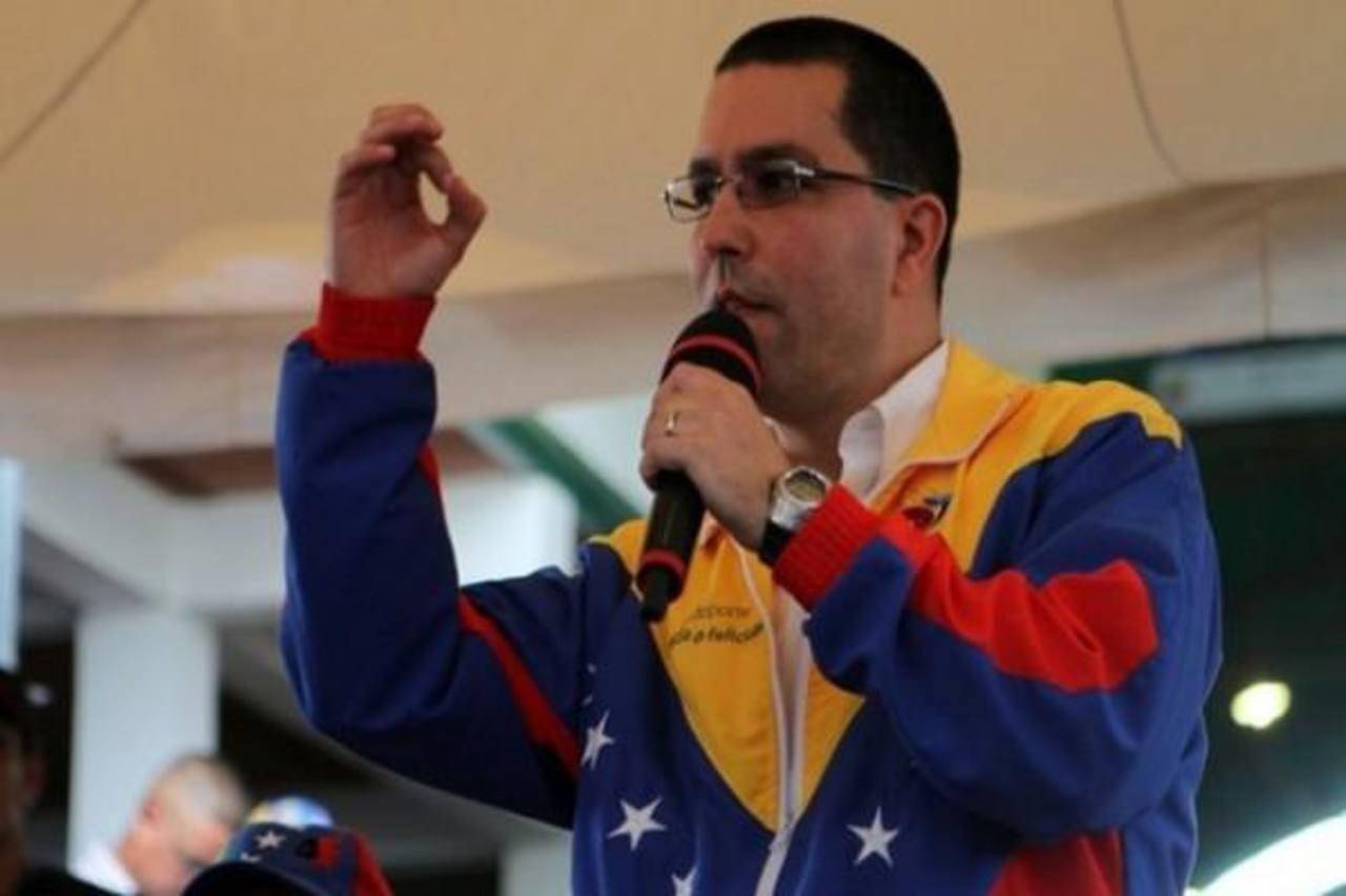 El vicepresidente Jorge Arreaza afirma que en la reunión de hoy con la oposición será para reconocimiento. foto edh / internet