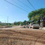 Personas han criticado la tardanza para finalizar la construcción del redondel, que inició en enero pasado. Foto edh / CRISTIAN DÍAZ