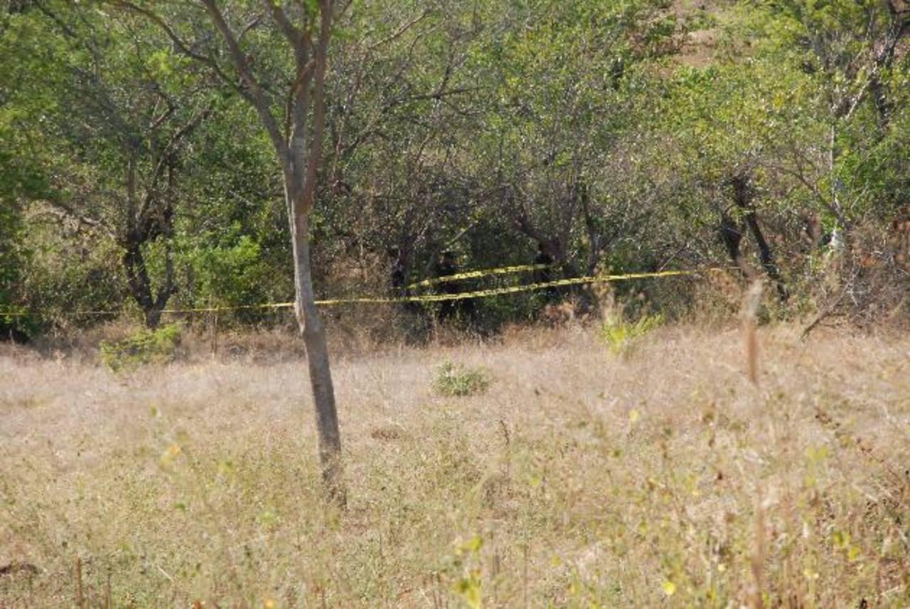 Al parecer, la Fiscalía tiene sospechas de que en el lugar estén tres desaparecidos de La Unión. Foto EDH / Insy Mendoza.