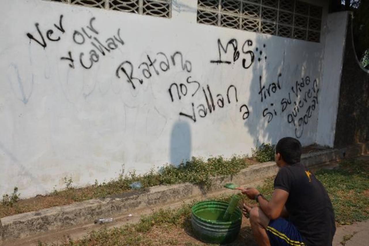 La imagen refleja la amenaza bajo la que están los vecinos de la colonia Belén.Las autoridades esperan que después de haber limpiado la zona, no sigan manchando.